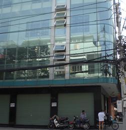 Cho thuê cao ốc mặt tiền đường Đinh Tiên Hoàng, Quận 1, dt  8,2x22 hầm 8 lầu, Giá 10 ngàn